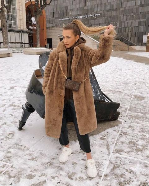 Фото №1 - Вещь дня: 10 самых модных белых кроссовок на зиму