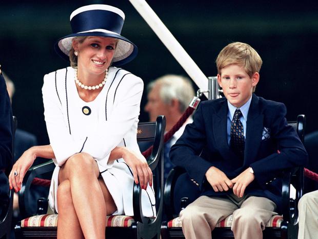 Фото №1 - Сын своей матери: 5 черт принцессы Дианы, которые унаследовал Гарри