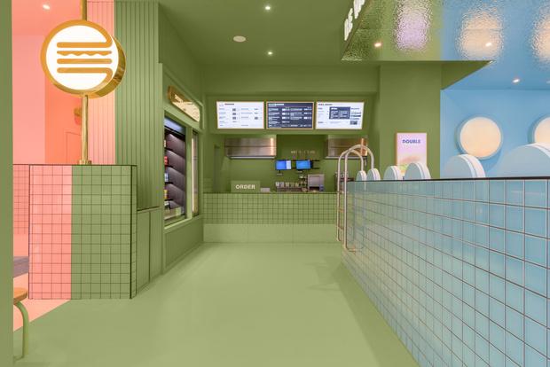 Фото №6 - Яркая бургерная в Турине по проекту Masquespacio