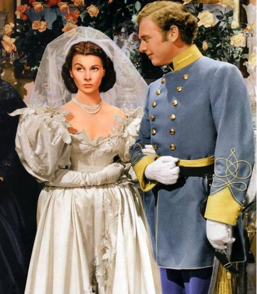 Фото №5 - 10 самых красивых свадебных платьев в истории кино