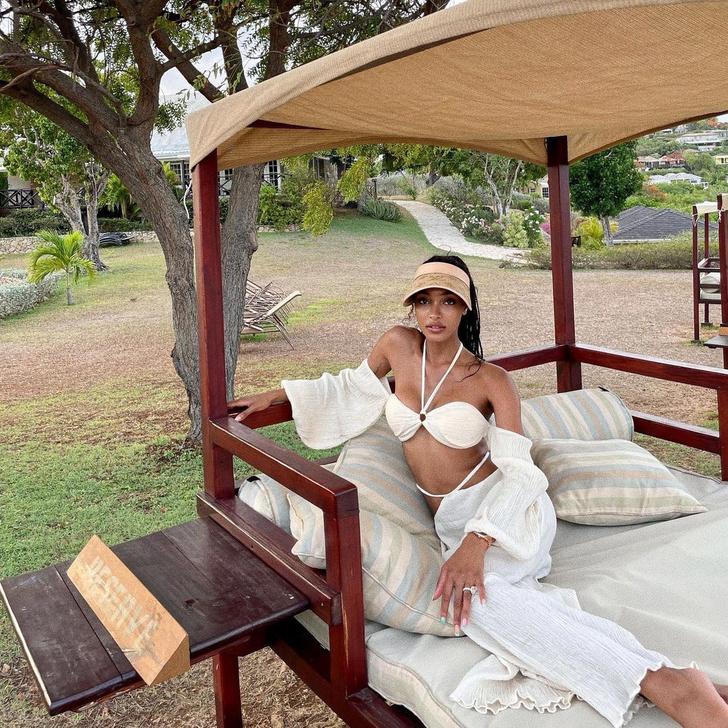 Фото №4 - Льняной костюм и соломенный козырек: модель Джордан Данн нашла безупречный наряд для отпуска
