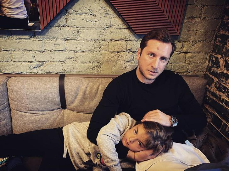 <p>Резо&nbsp;— прекрасный отец и не обделяет Ивана и Нину вниманием</p>