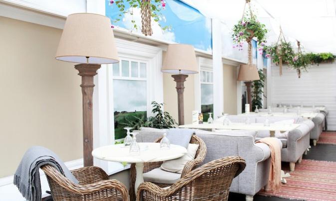 Фото №4 - Как в Европе! 5 ресторанов с открытой верандой