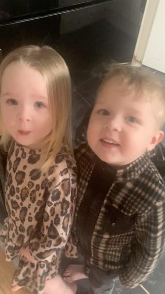 Фото №3 - Мама оставила близняшек одних на 5 минут, и вот что они натворили [фото]