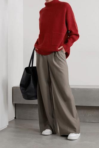 Фото №7 - 5 моделей брюк, которые делают ноги визуально длиннее