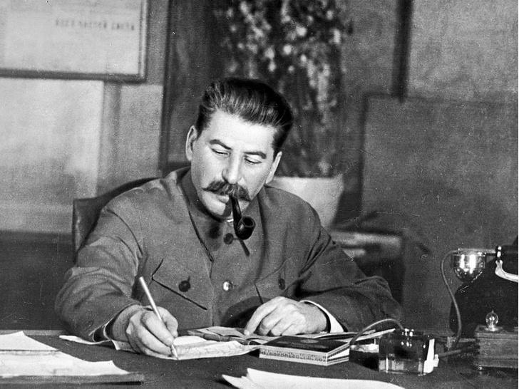 Фото №7 - Магия власти: темные колдуны и экстрасенсы на службе у Сталина, Гитлера и Рейгана