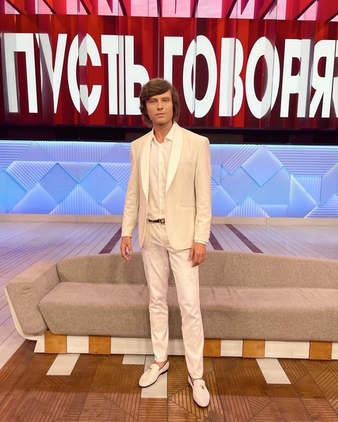 Фото №2 - ИВЛ и 80% поражения легких: Прохор Шаляпин бросил свою жену умирать