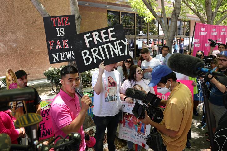 Фото №2 - «Просто хочу вернуть свою жизнь»: Бритни Спирс проиграла суд за свободу