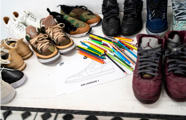 Фото №2 - Дизайнерские кроссовки с содержанием переработанной жвачки: как ответственно потреблять вместе с DIROL