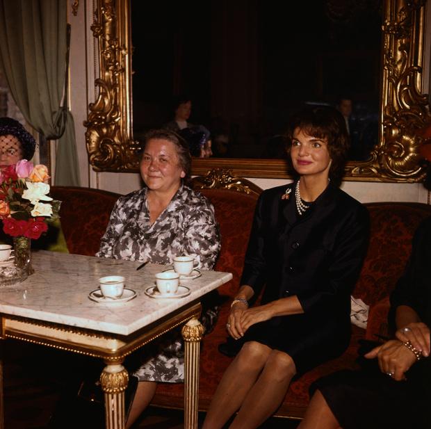 Фото №23 - Обманчивая внешность: все о жизни Валерии Голубцовой и Нины Кухарчук — сильных женщинах, которые незаметно правили страной руками своих мужей
