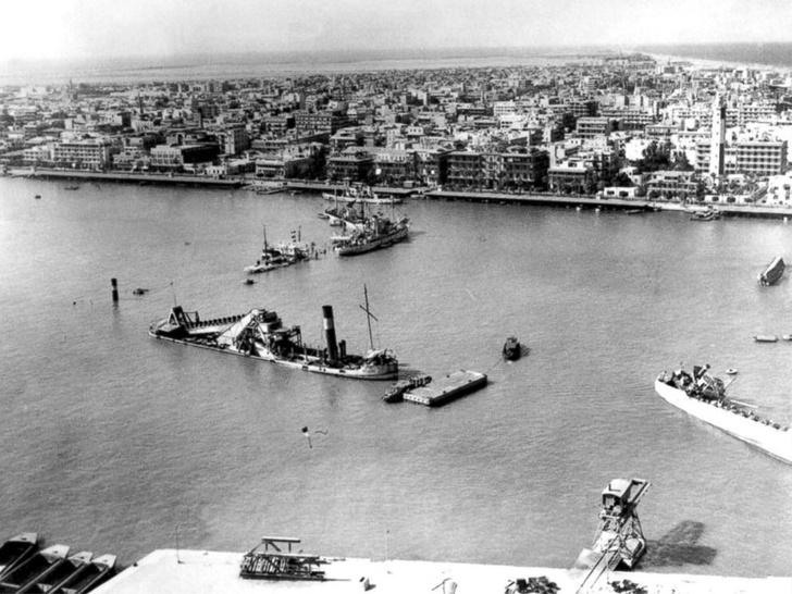 Фото №2 - История о том, как 15 кораблей застряли в Суэцком канале на 8 лет