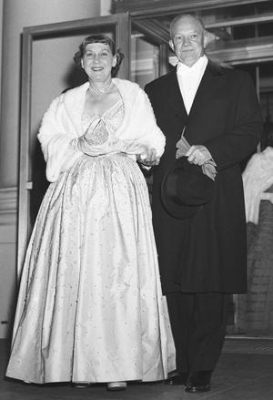 Фото №3 - Королевы Белого дома: самые роскошные инаугурационные платья Первых леди