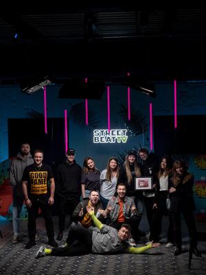 Фото №1 - Street Beat запустили свое шоу на YouTube. Смотри, каких блогеров и музыкантов позвали в качестве приглашенных гостей!