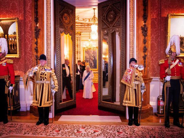 Фото №7 - Британия в возмущении: самые дорогие ремонты, которые Виндзоры делали в своих резиденциях
