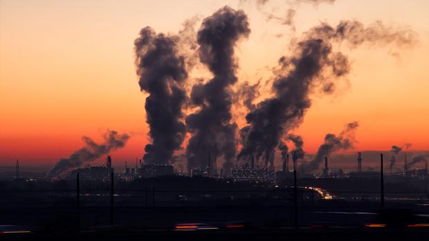 Фото №1 - Власти составили рейтинг городов Российской Федерации с самым грязным воздухом