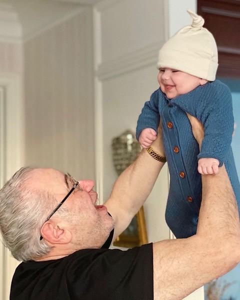 Фото №1 - «Прогулки теперь такие»: Татьяна Брухунова впервые показала совместные фото с сыном