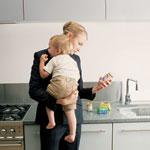 Фото №1 - Должна ли готовить хорошая мать?