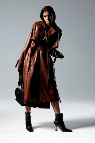 Фото №19 - Полный гид по самой модной верхней одежде на осень и зиму 2021/22