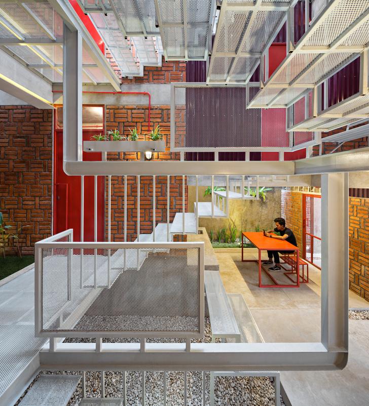 Фото №5 - Яркий пансион на острове Ява по проекту Ismail Solehudin Architecture