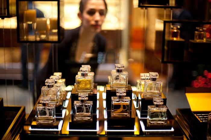 Фото №2 - Запахи осени: парфюмерные премьеры конца года