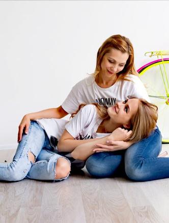 Фото №4 - 15 фото, которые докажут: дочки превращаются в копии своих мам