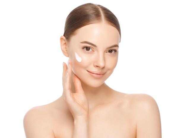 Фото №7 - Красивые скулы при помощи массажа: секретная техника косметологов