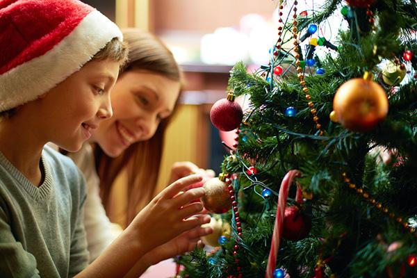 Фото №1 - Проект «С миру по елке» подарит детям новогодний праздник