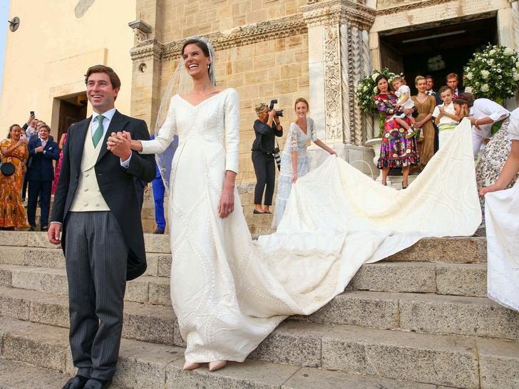 Фото №1 - Принцесса и бизнесмен: еще одна королевская свадьба Лихтенштейна— с идеальным платьем невесты и старинной тиарой
