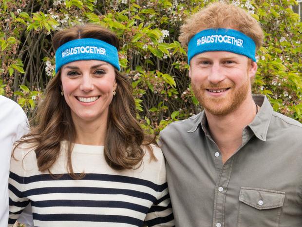 Фото №1 - Особая связь: самые трогательные и забавные фото Гарри и Кейт