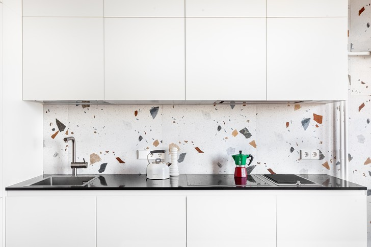 Фото №3 - Простота и функциональность: белая квартира 45 м²