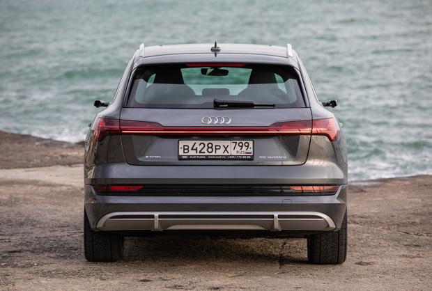 Фото №19 - Элегантный дизайн прогрессивных технологий: новый полностью электрический SUV Audi e-tron Sportback