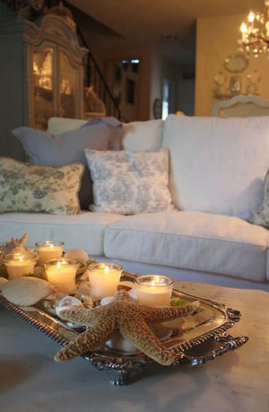 свечи в гостиной