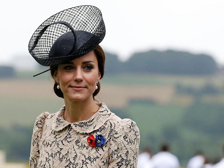 Фото №4 - Всегда безупречна: 10 лучших причесок герцогини Кейт на любой случай
