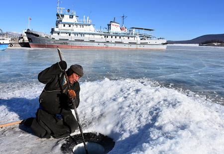 Что представляет собой флот Монголии, не имеющей выхода к морю