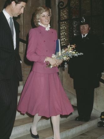 Фото №3 - От персикового до фуксии: как принцесса Диана носила розовый цвет (и почему он ей так шел)