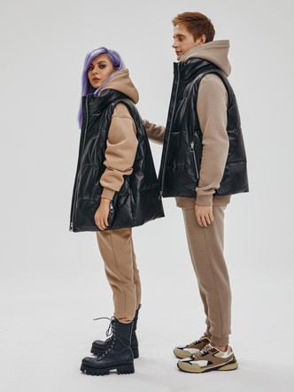 Фото №3 - Для затяжных холодов: 20 стильных вещей из коллаборации «Снежная Королева» x Lina Dembikova