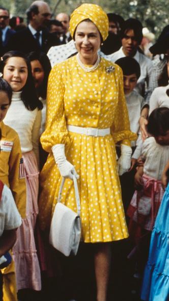 Фото №24 - Полька-дот: как королевские особы носят трендовый «горох»