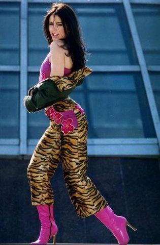 Фото №13 - «Можно вывезти девушку из деревни…»: могут ли провинциалки выглядеть стильно