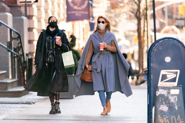 Фото №1 - Какую верхнюю одежду сейчас носят самые модные девушки Нью-Йорка?