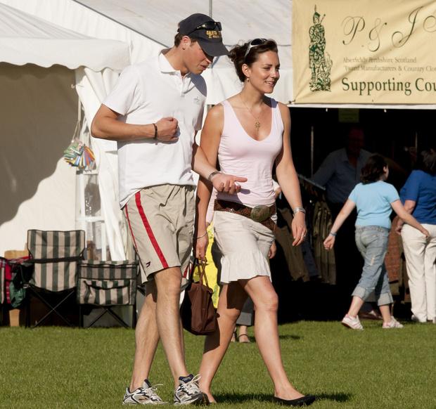 Фото №9 - Кейт Миддлтон и принц Уильям отмечают юбилей семейной жизни: как развивался роман самой обсуждаемой пары