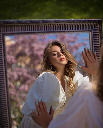 Фото №3 - Сама нежность: весенний образ Кати Адушкиной🌸