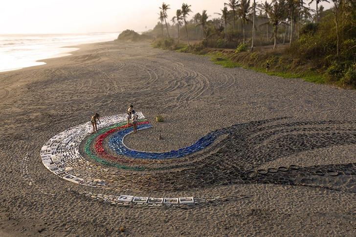 Фото №6 - Скульптура из пластика на Бали: что можно сделать из мусора