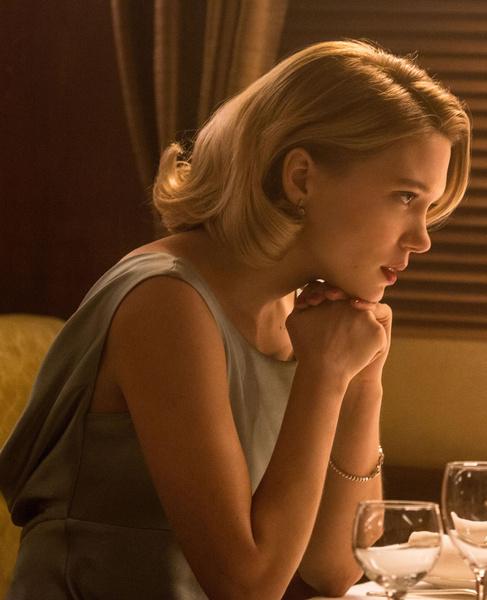 Фото №5 - Девушки Бонда: как менялась внешность подружек супергероя и кто из них стал жертвой «проклятия 007»