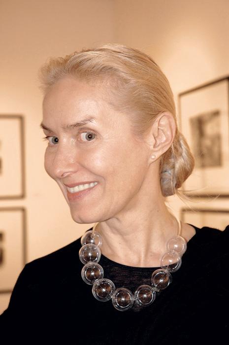 ОЛЬГА СВИБЛОВА директор Московского дома фотографии «Я живу в постоянном стрессе... но он меня стимулирует».