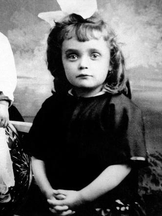 Фото №2 - Парижский воробушек: любовь и боль легендарной Эдит Пиаф