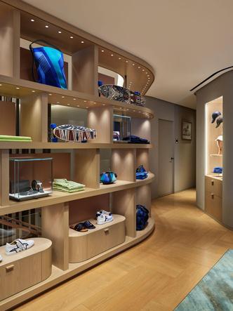 Фото №5 - Новый бутик Hermès в Токио