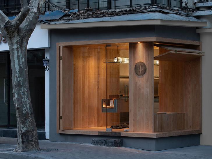 Фото №10 - Уютное угловое кафе с контрастным интерьером в Шанхае