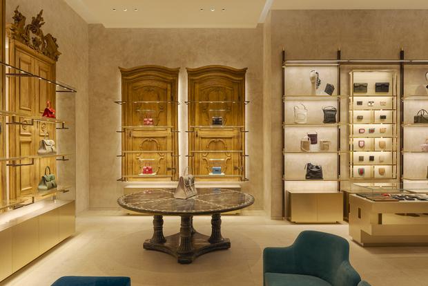 Фото №7 - Новый бутик Delvaux в самом сердце Парижа