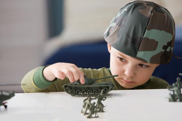 Фото №1 - День Победы: как говорить с ребенком о войне