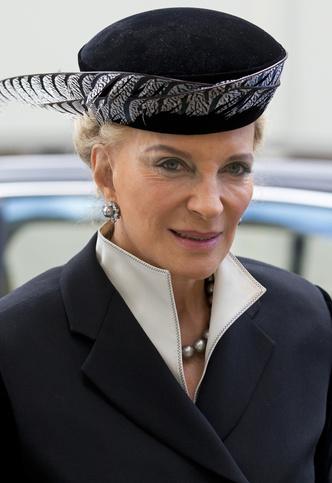 Фото №28 - От королевы Рании до герцогини Меган: королевские особы, которые написали книги